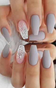 30 Fabulous Matte Nails Design For Short Nails - Page 9 of 30 - Latest Fashion Trends For Woman - short grey coffin nails, Matte short nails design, short nails acrylic, short square nails, almond - Grey Matte Nails, Matte Nail Art, Grey Nail Art, White Nail, Silver And Pink Nails, Christmas Acrylic Nails, Neutral Acrylic Nails, Grey Christmas Nails, Matte Almond Nails