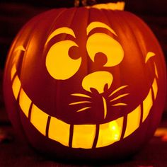 Free #Disney Pumpkin Carving Templates! These are super cute to make your Halloween more magical!