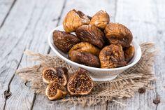 Smochinele au un gust dulce, similar cu al caramelului și o savoare aparte. Sunt, de asemenea, mai bogate în fibre, au mai puține calorii, iar una peste alta, sunt o sursă mult mai bună de nutrienți decât curmalele.