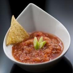 Deliciosa receta de salsa roja para tacos, un receta deliciosa y única que le encantará a todos tus invitados, además es súper fácil de hacer.