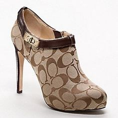 Coach heels size Sorry no box only thing to note is wear on the bottom Coach Shoes Ankle Boots & Booties Hot Shoes, Crazy Shoes, Me Too Shoes, Shoes Heels, Dream Shoes, Pumps, Bootie Boots, Shoe Boots, Ankle Boots
