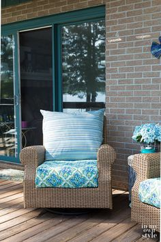 Easy Ways to Make Indoor and Outdoor Chair Cushion Covers Chair Cushion Covers, Outdoor Cushion Covers, Outdoor Chair Cushions, Chair Pillow, Diy Chair, Patio Chairs, Outdoor Chairs, Couch Covers, Floor Cushions