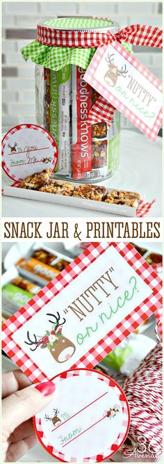 Handmade Gift Idea and adorable Free Gift Tag Printables. This Snack Jar is perfect for teachers, coworkers, and neighbor gifts. Edible gifts are the best and simply delicious! (handmade christmas presents budget) Diy Christmas Presents, Christmas Gift Tags, Christmas Fun, Holiday Gifts, Christmas Fashion, Christmas Stocking, Handmade Christmas, Holiday Ideas, Christmas Decorations