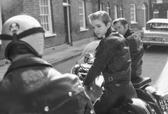 """Leather clad English rocker girl 50 Classy People From The Past Who Remind Us What """"Cool"""" Really Means! Define Retro, Define Classy, Rare Historical Photos, Cafe Racer Girl, Classy People, Caroline Kennedy, Rocker Girl, Lady Biker, Biker Chick"""
