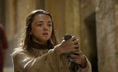 """20 Things You Might Have Missed When Watching """"Game Of Thrones"""" For The First Time."""