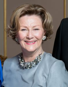 Royal Hair — New picture of the Norwegian royal ladies on the...