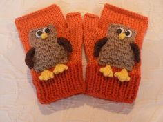 LITTLE OWL MITTENS by Lorna Musk Easy, quick knit mittens with owl motif. Worked in Double Knit yarn or equivalent. In four sizes to suit ages 3 to adult.