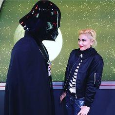 her jacket! Gwen Stefani @gwenstefani #disneyland #dart...Instagram photo | Websta (Webstagram)