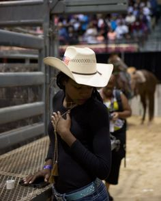 The Cowgirls of Color: the black women's team bucking rodeo trends Rodeo has remained a sport dominated by white men, but the two-year-old team whose members met in Maryland is inspiring girls as they seek victory Black Cowgirl, Black Cowboys, Cowgirl Style, All Black, Black Women, Black Art, Color Black, Black Girls Pictures, Horse Girl Photography
