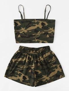 Camo Cami Top With Shorts -SheIn(Sheinside) Cute Lazy Outfits, Camo Outfits, Crop Top Outfits, Sporty Outfits, Swag Outfits, Mode Outfits, Pretty Outfits, Stylish Outfits, Girls Fashion Clothes
