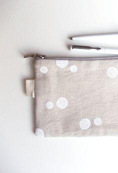Big Linen Pencil case Zipper Pouch Organize make-up by LarvaMade