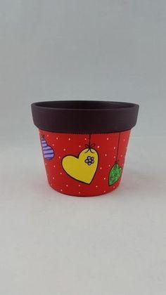 Vaso Violeta G Vermelho Corações Paint Garden Pots, Painted Plant Pots, Painted Flower Pots, Flower Pot Art, Flower Pot Crafts, Clay Pot Projects, Clay Pot Crafts, Pots D'argile, Clay Pots