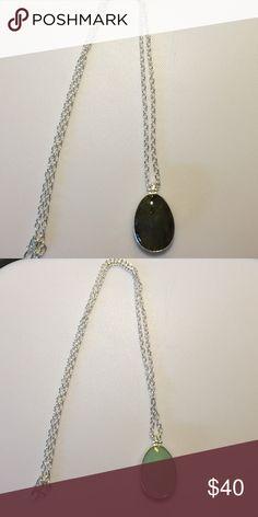 Stella & Dot Sanibel Reversible Pendandt Reversible!  Beautiful both ways. Stella & Dot Jewelry Necklaces