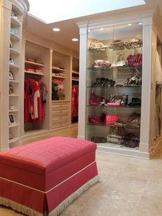 Explore the best of luxury closet design in a selection curated by Boca do Lobo to inspire interior designers looking to finish their projects. Discover unique walk-in closet setups by the best furniture makers out there Dressing Room Closet, Dressing Rooms, Muebles Art Deco, Closet Vanity, Beautiful Closets, Master Bedroom Closet, Decoration Inspiration, Luxury Closet, Diy Décoration
