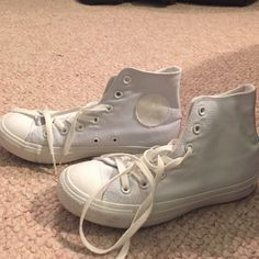 Converse high tops All white converse high tops. Worn once. Great conditions, minor scuffs but can be cleaned. Basically look new. Men's 5 which is women's 7 Converse Shoes Converse Hightops, White High Top Converse, High Top Sneakers, Converse Chuck Taylor, High Tops, Fun, Fashion, Moda, Fashion Styles