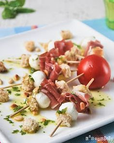 Pinchitos de mozzarella y jamón