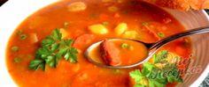 Recept Buřtguláš s domácím chlebíčkem Thai Red Curry, Ethnic Recipes, Food, Red Peppers, Essen, Meals, Yemek, Eten
