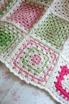 silje-his: Crochet baby blanket...totally adore this.