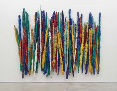 Find the latest shows, biography, and artworks for sale by Sheila Hicks. Pioneering fiber artist Sheila Hicks blurs the boundary between painting and sculptu… Art Fibres Textiles, Textile Fiber Art, Textile Artists, Sculpture Textile, Soft Sculpture, Wall Sculptures, Josef Albers, Google Themes, Antony Gormley