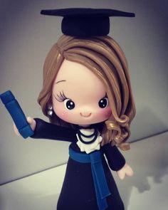 "406 Likes, 7 Comments - Manuela Abelleira (@manuela_abelleira) on Instagram: ""#formanda #formandabiscuit #formatura #topodebolo #festaformatura #biscuitsalvador #poxukaformanda"""