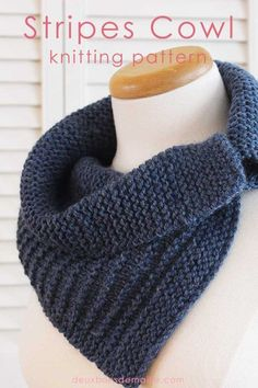 Knitting Pattern: Stripes Cowl | Deux Brins de Maille | Knit this cowl and wear it in different ways. It's a quick project because you use a bulky yarn, large needles and the pattern is easy to remember after some rows.