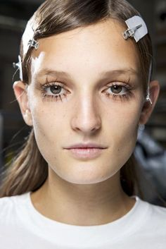 See the best hair and make-up looks from the spring/summer 2016 shows in close-up, zoomable detail