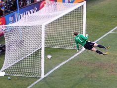 International Board aprova uso de tecnologia no futebol.