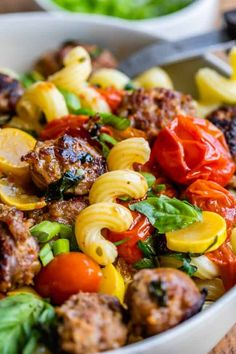 Italian Sausage Pasta with Cherry Tomatoes (30 Minute Dinner!) from The Food Charlatan. This 30 minute weeknight meal comes together so easy! Italian Sausage Pasta with Cherry tomatoes is perfect for using up those summer vegetables coming from your garden! Swap the veggies for whatever you have on hand. It's absolutely delicious; who can say no to sausage and pasta? Tomato Sausage Recipe, Tomato Pasta Recipe, Sausage Pasta Recipes, Italian Sausage Pasta, Veggie Sausage, Italian Sausage Recipes, Lemon Pasta, Cherry Tomato Recipes, Cherry Tomato Pasta