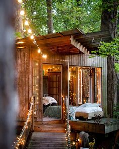"""Follow  @myluxurymag for the best homes & travel photos! @myluxurymag Dream Treehouse in Atlanta, USA ✨ Photo:©Jane Field - Lewis"""