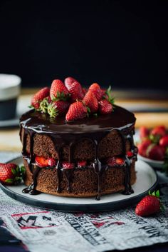 The EASIEST Chocolate Strawberry Cake ever! You just need to add a simple chocolate ganache and strawberries to your favorite chocolate cake recipe. Strawberry Chocolate Cake source More cake & cookies & baking inspiration! Find images and videos about f Chocolate Strawberry Cake, Strawberry Cakes, Chocolate Strawberries, Chocolate Ganache, Ganache Cake, Strawberry Recipes, Vegan Chocolate, Simple Chocolate Cake, Chocolate Cake Pictures