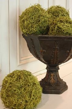 Vase filler: Mossy Accents...how to make moss balls