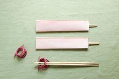和紙を組み合わせた箸袋と水引のリース風箸置きで、食卓をセンスアップ!/和スタイルの楽しみ方(「はんど&はあと」2013年1月号)