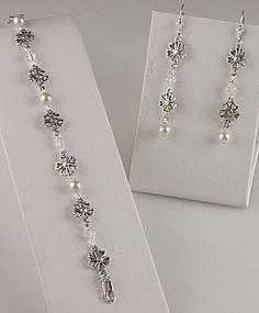 Jewelry Making Idea: Precious Pearl Bracelet and Earring Set (eebeads.com)