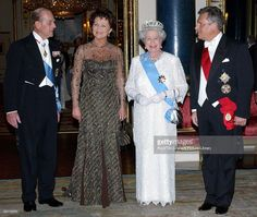Queen Elizabeth II Wearing Decorations And Orders With Diamonds And Pearls At Buckingham Palace To Host A State Banquet. Left To Right: Prince Philip, Madame Jolanta Kwasniewska, Queen Elizabeth II, Aleksander Kwaniewski, President Of Poland