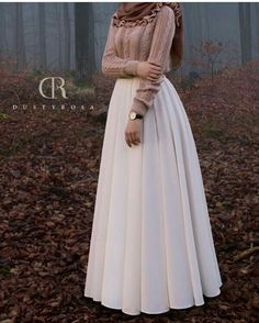 I am so in love with this beautiful covered hijab outfit& Islamic Fashion, Muslim Fashion, Modest Fashion, Fashion Outfits, Hijab Fashion Inspiration, Mode Inspiration, Hijab Dress, Hijab Outfit, Modest Dresses