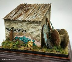 Small shed 1/35 scale. By Andreas Rousounelis.  #diorama #vignette https://www.facebook.com/andreasrousounelismodels