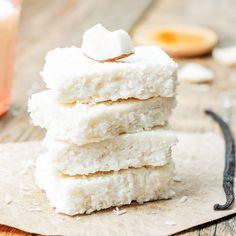 Rezept für einen veganen Kokoskuchen - der Kuchen gelingt ohne backen, ist gesund, lecker und bekömmlich ...