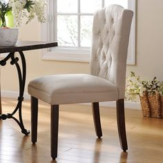 Exceptionnel Tufted Ivory Linen Parsons Chair