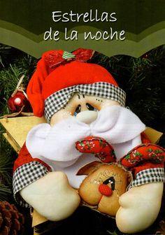 Santa y reno Christmas Sewing, Felt Christmas, Christmas Ornaments, Diy Ostern, Diy Weihnachten, Felt Ornaments, Easter Crafts, Diy And Crafts, Teddy Bear