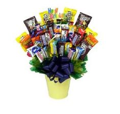 peoples choice award-if we do a candy theme Easter Candy, Easter Treats, Easter Eggs, Easter Holidays, Christmas Holidays, Candy Bouquet Diy, Chocolates, Easter Baskets, Gift Baskets