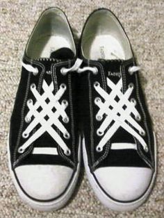 Website that shows you different methods to lie laces - a fashionable tomboy's dream site!! <3