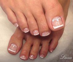 French Toe Nails, French Manicure Nail Designs, Pedicure Nail Art, Toe Nail Designs, Toe Nail Art, Cute Toe Nails, Love Nails, Pretty Nails, Nail Picking