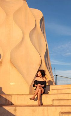 La Pedrera is another beauty designed by famous Catalan architect Antoni Gaudí. It looks like he turned his vision of heaven into the real object. La Pedrera, Antoni Gaudi, Jasmine, Beauty, Beleza, Cosmetology, Gaudi