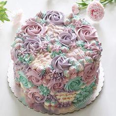 Hazelnut and chocolate cake - HQ Recipes Gorgeous Cakes, Pretty Cakes, Cute Cakes, Amazing Cakes, Buttercream Flower Cake, Cake Icing, Cupcake Cakes, Cake Decorating Designs, Cake Designs