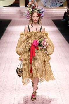 Dolce   Gabbana Spring Summer 2019 Ready-To-Wear d6a07d78d6e4d