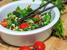 Salada quente de cogumelo fresco e brócolis