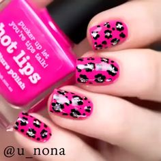 Nail designs or nail art is a very simple concept - designs or art that is used to decorate the finger or toe nails. Girls Nail Designs, Nail Art Designs Videos, Nail Art Videos, Simple Nail Art Designs, Acrylic Nail Designs, Cheetah Nail Designs, Nail Art Hacks, Nail Art Diy, Diy Nails