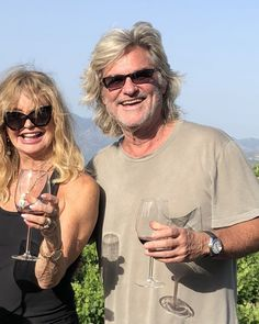 Kurt Russell and Goldie Hawn were spotted making more memories on European vacation — check out our gallery to see photos of the longtime couple! First Ladies, Oliver Hudson, Kate Hudson, Hollywood Couples, Hollywood Star, Goldie Hawn Kurt Russell, Famous Couples, Famous Celebrity Couples, Celebrity Babies