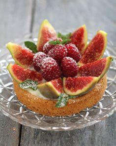 On dine chez Nanou | Sablé breton , crème à l'eau de fleur d'oranger , figues et framboises |              Pour faire ce joli dessert je me suis inspirée d'une recette de Christophe Adam  . ...