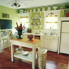 green kitchen...... just when i think i am ready for a new color .....